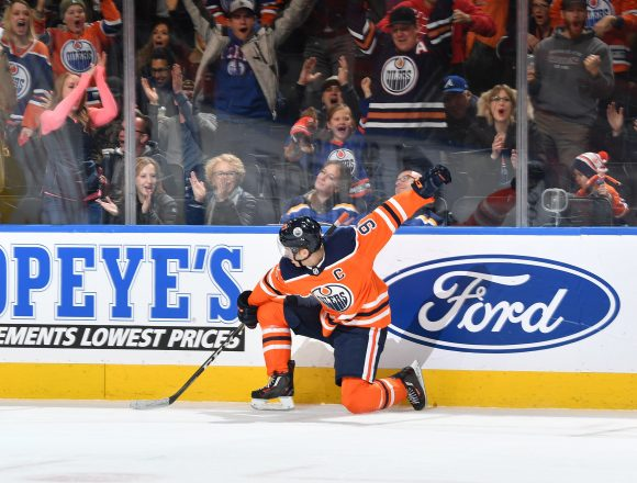 How Ken Hitchock has been able to get the most out of Connor McDavid late in games