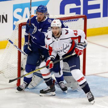 Record Setting Night in a Crazy Game Between the Caps and Lightning