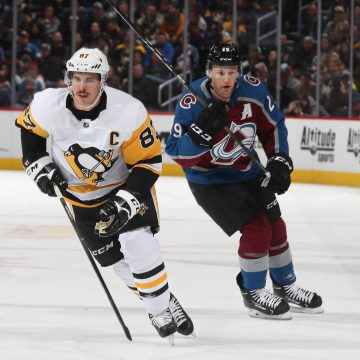 MacKinnon vs Crosby: The Battle of Cole Harbour